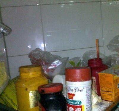Это весь комплект химии, которая обязательно добавляется в известное блюдо «тушеная говядина с соевым соусом»