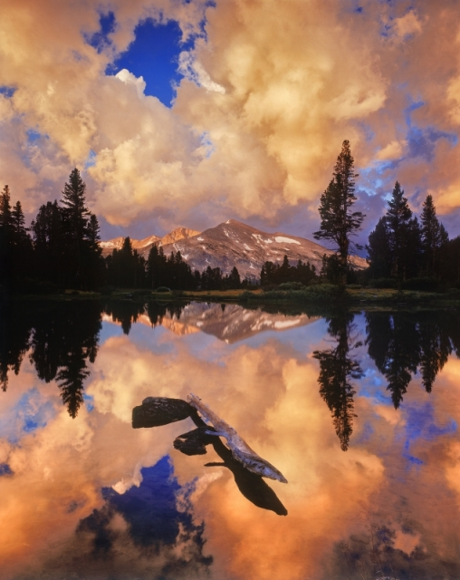 Ледниковое озеро возле горы Дана. Национальный парк Йосемити, штат Калифорния. Фото: Claire Curran/outdoorphotographer.com