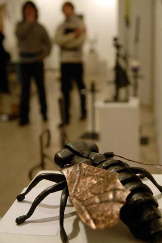 Металическая муха на выставке Ковальське сузіря. Фото: Великая Эпоха