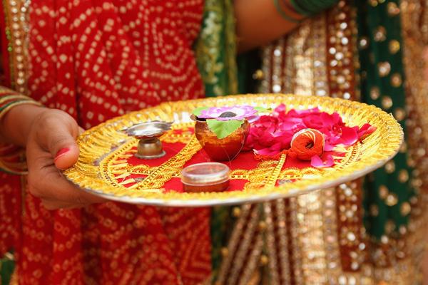 В Індії релігія міцно вкоренилася в житті людей, стала невід'ємною частиною їх існування. Фото: Cameron Spencer / Getty Images