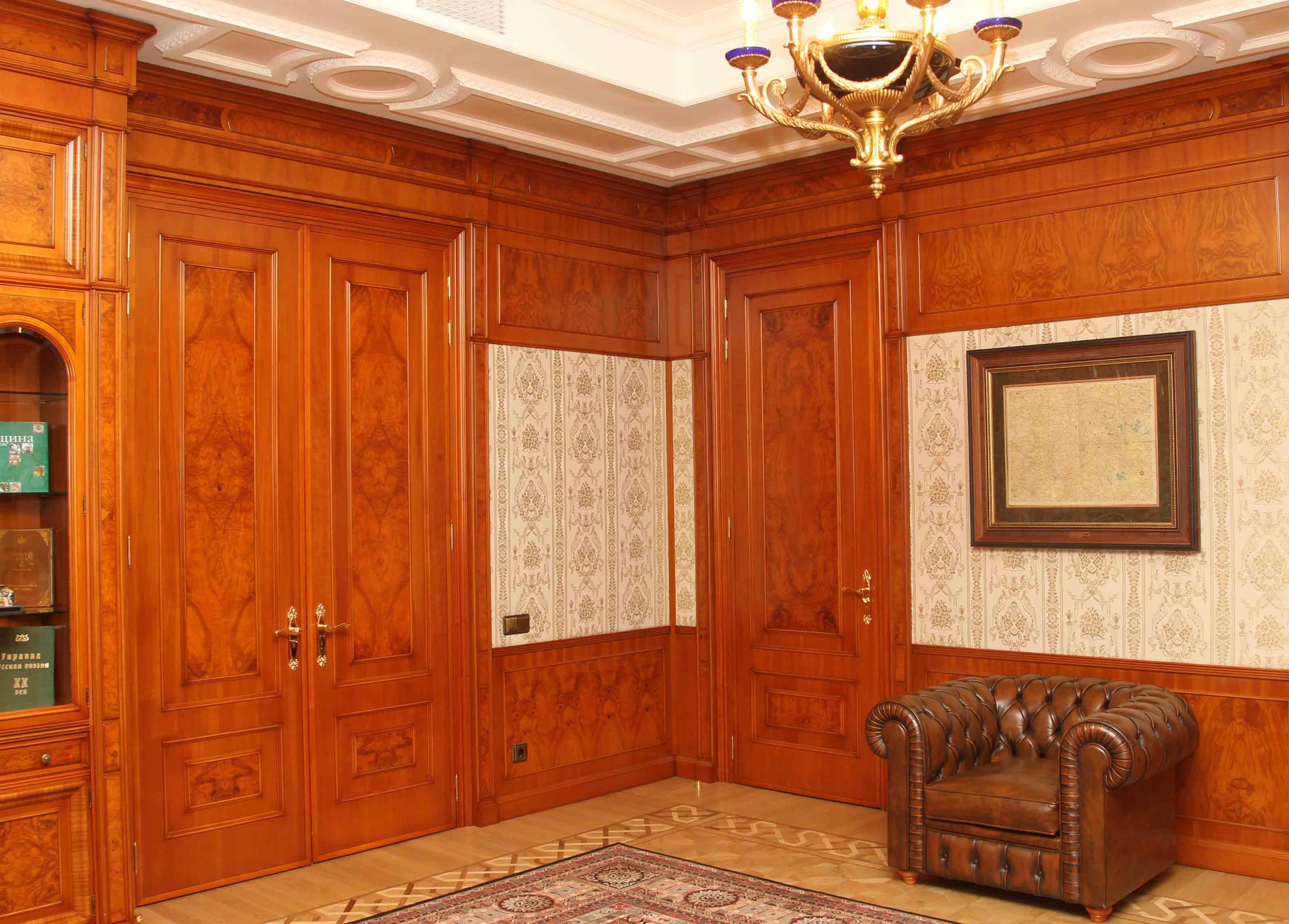 Рабочий офис Януковича в его резиденции. Фото: пресс-служба главы государства