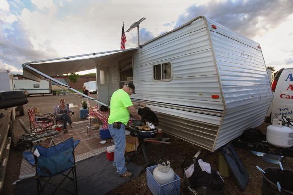 Временное жилище семьи. г. Берлингтон, Северная Дакота, США. Фото: Scott Olson/Getty Images