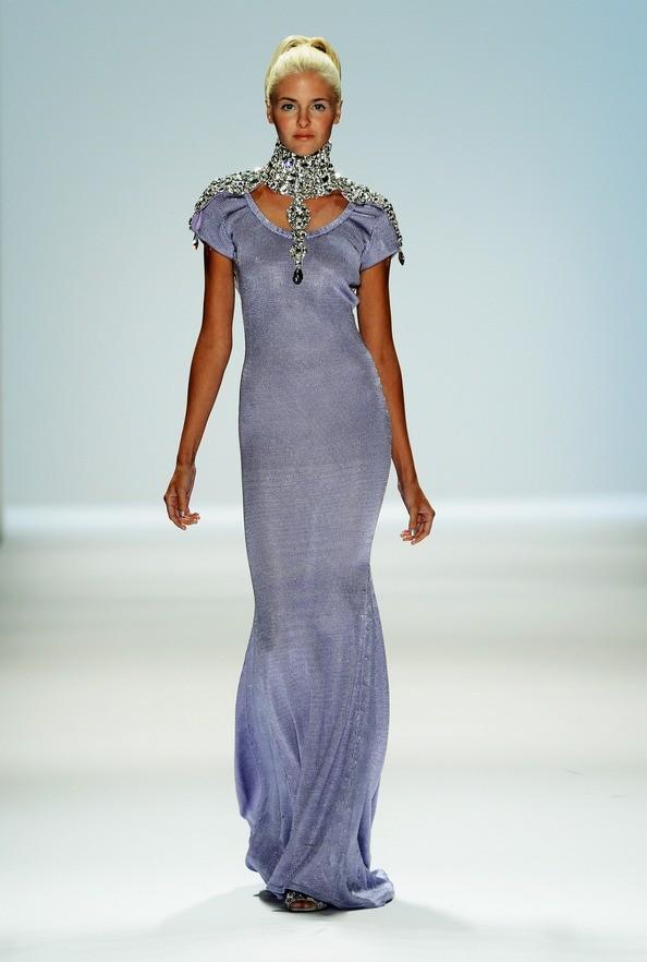 Весна 2013 от Zang Toi на Mercedes-Benz Fashion Week. Фото: Frazer Harrison/Getty Images for Mercedes-Benz