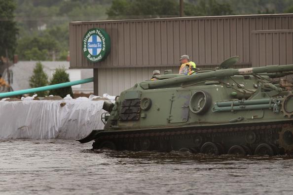 Национальная гвардия мобилизована для борьбы с наводнением. г. Майнот, Северная Дакота, США. Фото: Scott Olson/Getty Images