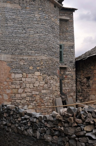 Каменные постройки деревни Шитоу. Фото: panyifu.blog.163.com