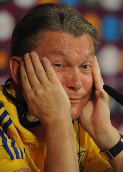 Главный тренер Олег Блохин из Украины во время пресс-конференции на Донбасс Арене 14 июня 2012 года в Донецке. Фото: Handout/UEFA via Getty Images
