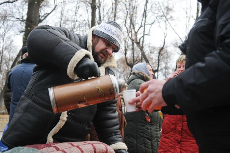 Чернобыльцы из разных регионов Украины проводят бессрочную голодовку в Мариинском парке напротив Кабинета министров Украины 1 декабря 2011 года. Фото: Владимир Бородин/The Epoch Times Украина
