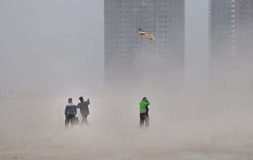Северо-запад Китая охватили песчаные бури. 18 февраля. Провинция Ганьсу. Фото: The Epoch Times