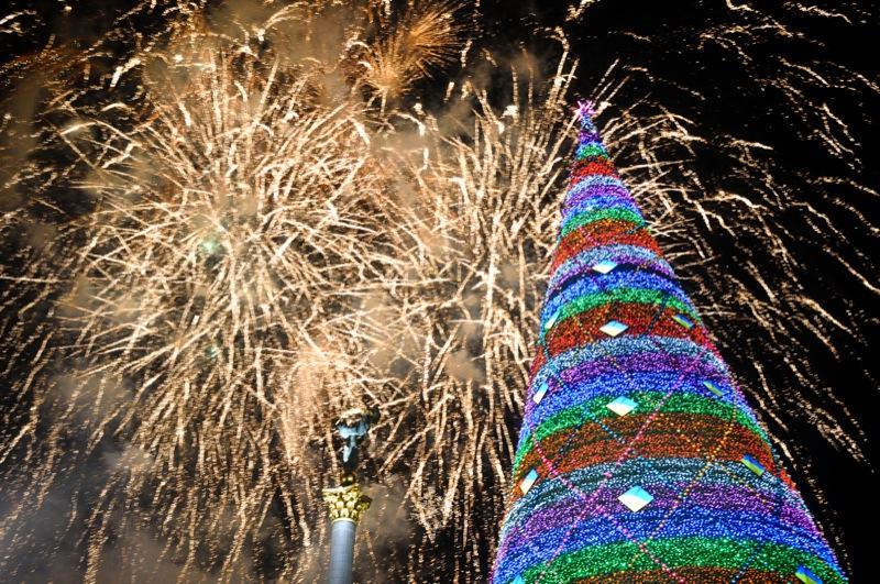 Головну ялинку країни запалили 19 грудня за участю Президента України Віктора Януковича. Фото: Володимир Бородін/The Epoch Times Україна