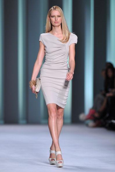 Презентация коллекции Elie Saab весна / лето 2011 на Неделе моды в Париже. Фото Pascal Le Segretain/Getty Images
