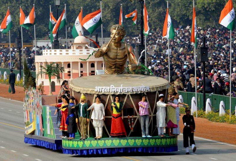Платформа з учасниками параду, що символізує Виборчу Комісію Індії. Фото: RAVEENDRAN/AFP/Getty Images