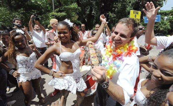 В Рио-де-Жанейро начался знаменитый карнавал. Фото: VANDERLEI ALMEIDA/AFP/Getty Images
