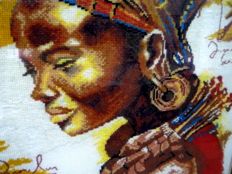 Вишивка «Квітка Африки», автор А.Семенов. Фото: Алла Лавриненко/The Epoch Times Україна