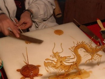 Китайские рисунки из сахара – танхуа. Фото с kanzhongguo.com