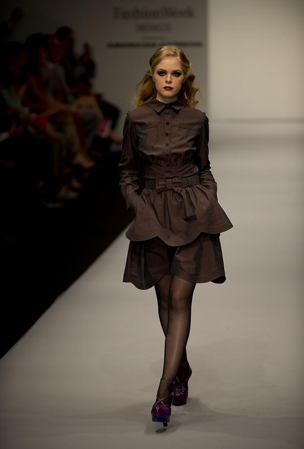 Модні тенденції осінь-зима 2013/14 на Мексиканської тижні моди. Фото: YURI CORTEZ / AFP / Getty Images