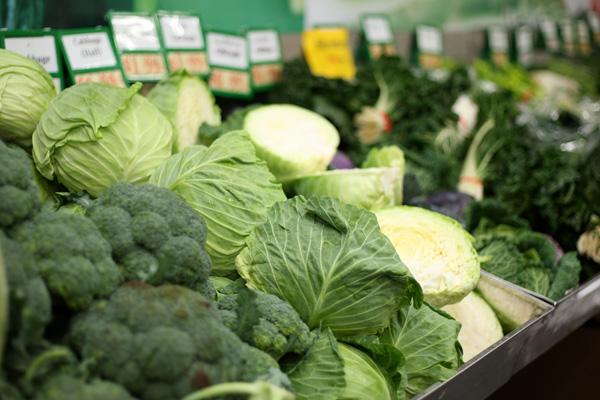 Листовой салат, зеленый горошек, брокколи, зеленый виноград активизируют иммунную систему, нормализуют артериальное давление, улучшают зрение, снимают напряжение. Фото: Sandra Mu / Getty Images