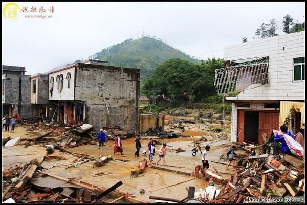Последствия тайфуна «Фанаби». Провинция Гуандун. Сентябрь 2010 год. Фото с epochtimes.com