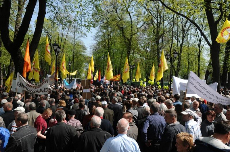 Митинг чернобыльцев прошел в центре Киева 26 ареля 2012 года. Фото: Владимир Бородин / The Epoch Times Украина