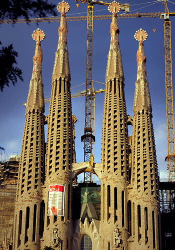 Достопримечательность Барселоны - Саграда Фамилия. Фото: JOSEP LAGO/AFP/Getty Images