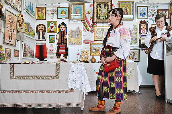 """Всеукраинская выставка """"Украинский сувенир 2010"""" открылась в Киеве 15 ноября 2010 года. Фото: Владимир Бородин/The Epoch Times Украина"""