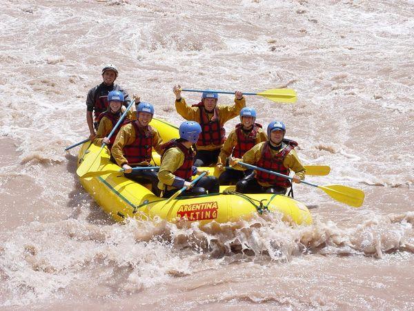Одне з улюблених місць туристів - річка Мендоса, придатна для спуску на плотах і байдарках, а також для інших морехідних круїзів.