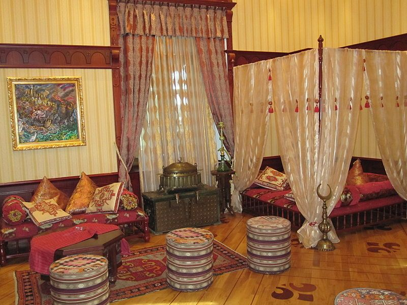 «Вілла Петролеа». Кімната в східному стилі. Фото: Parishan/commons.wikimedia.org