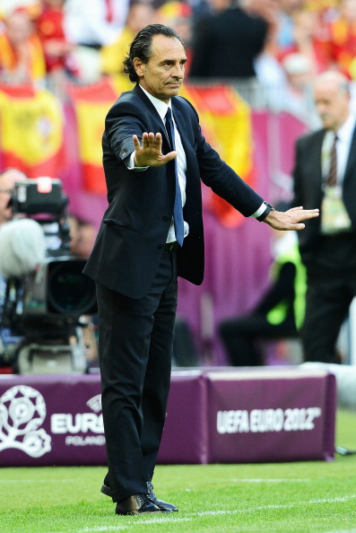 Головний тренер збірної Італії з футболу Чезаре Пранделі під час матчу між Іспанією та Італією 10 червня 2012 року у Гданську, Польща. Фото: Клаудіо Вілла/Getty Images