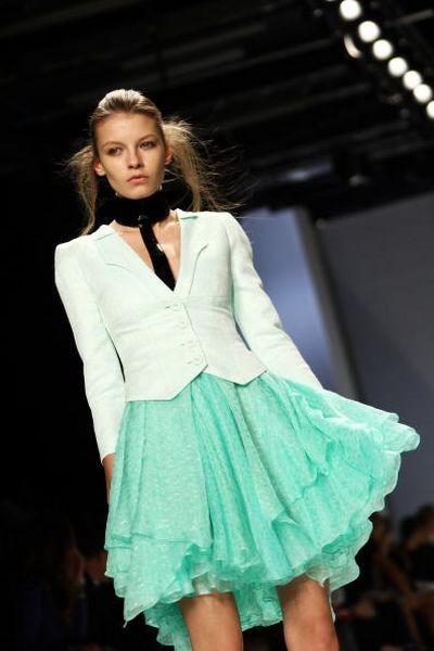Женская коллекция сезона весна-лето 2009 на Неделе моды в Милане. Фото: Getty Images