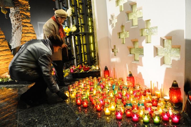В Киеве 24 ноября 2012 года прошла всеукраинская акция «Зажги свечу в память о жертвах Голодомора в Украине 1932—33 годов».