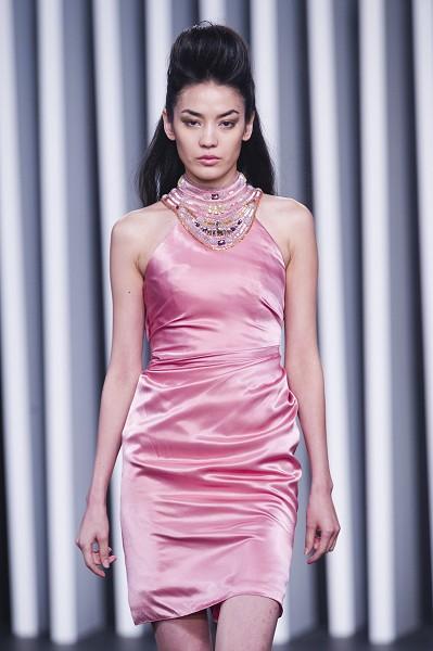 Неделя моды в Гонконге демонстрирует восточную красоту. Фото: Getty Images