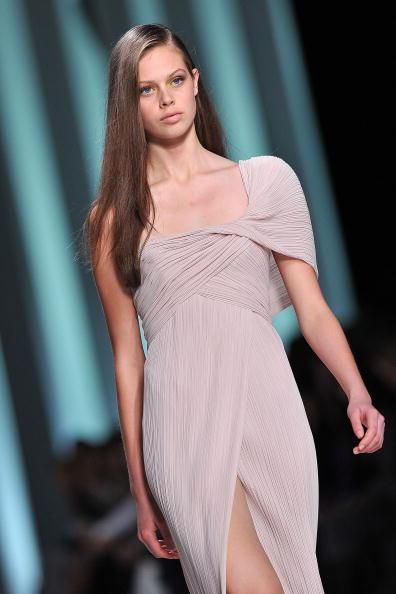 Презентація колекції Elie Saab весна / літо 2011 на Тижні моди в Парижі. Фото Pascal Le Segretain/getty Images