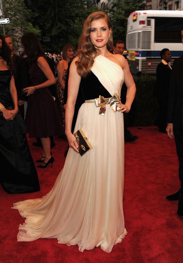 Акторка Емі Адамс у сукні Giambattista Valli. Фото: Larry Busacca/Getty Images