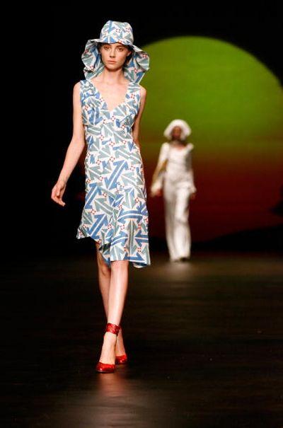 Показ весенне-летней коллекции британского дизайнера Вивьена Вествуда (Vivienne Westwood) в рамках Лондонской Недели моды. Фото: Gareth Cattermole/Getty Images