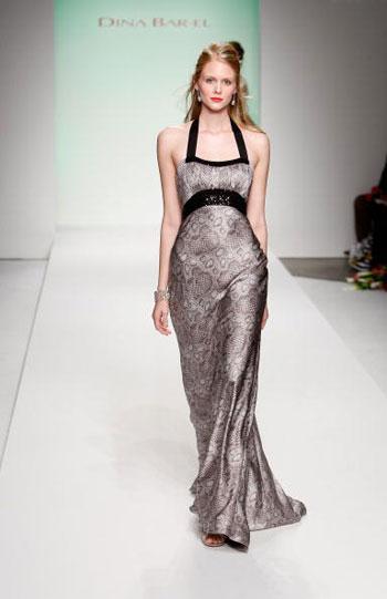 Коллекция женских вечерних платьев от Дины Бар-Эль (Dina Bar-El) на Неделе моды Mercedes-Benz Fashion Week в Калвер-Сити (Калифорния). Фото: Frazer Harrison/Getty Images for Dina Bar-El