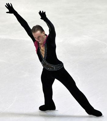 Сергей Воронов (Россия) исполняет произвольную программу. Фото: HRVOJE POLAN/AFP/Getty Images