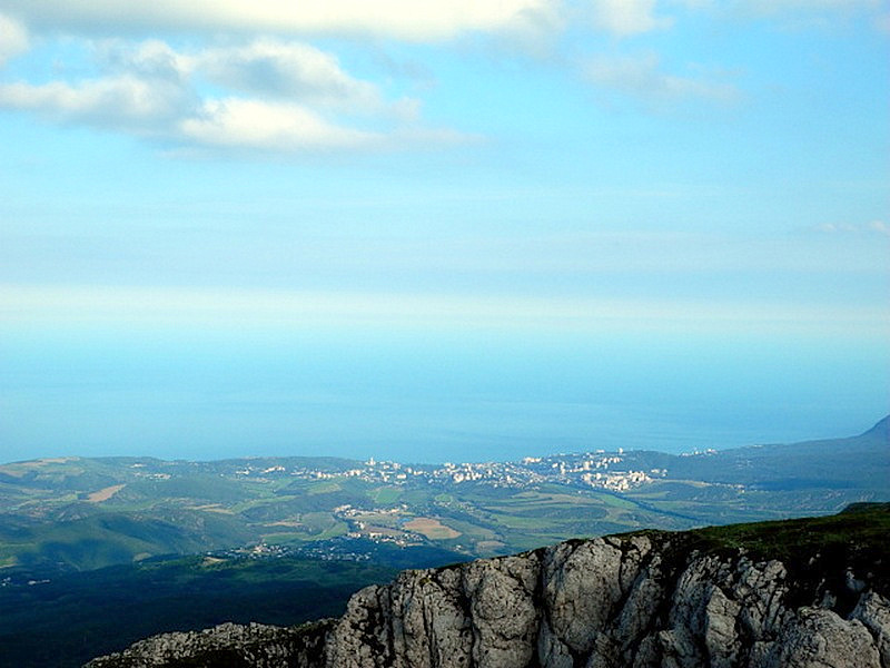 Панорама города Алушта. Чатыр-Даг. Фото: Алла Лавриненко/Великая Эпоха