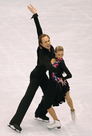 Німецька пара Nelli Zhiganshina і Alexander Gazsi на чемпіонаті в Токіо. Фото: Koichi Kamoshida/Getty Images