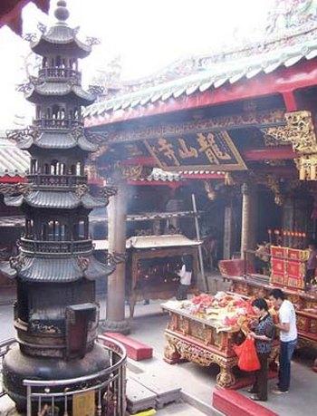 Храм Луншань. Тайвань. Фото с big5.ce.cn