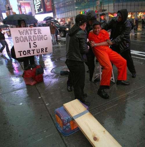 Демонстрация в Вашингтоне (США). Фото: TIMOTHY A. CLARY/AFP/Getty Images