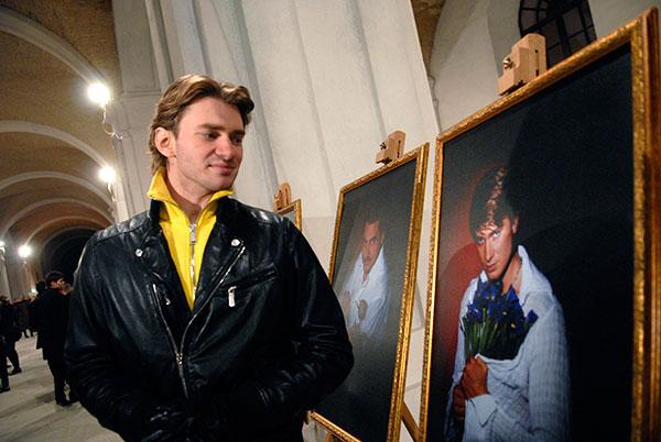 Дмитрий Дикусар на открытии фотовыставки «100 признаний в любви» в Киеве 5 марта 2010 года. Фото: Владимир Бородин/The Epoch Times