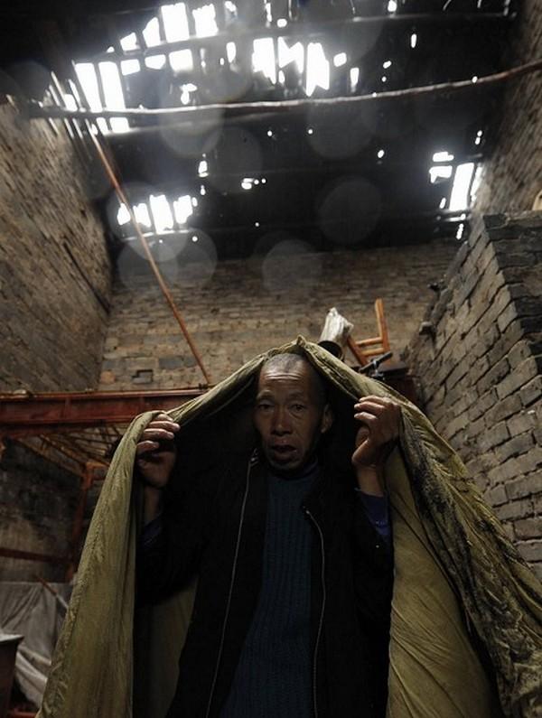 После торнадо на юго-западе Китая. 6 мая 2010 год. Фото с epochtimes.com