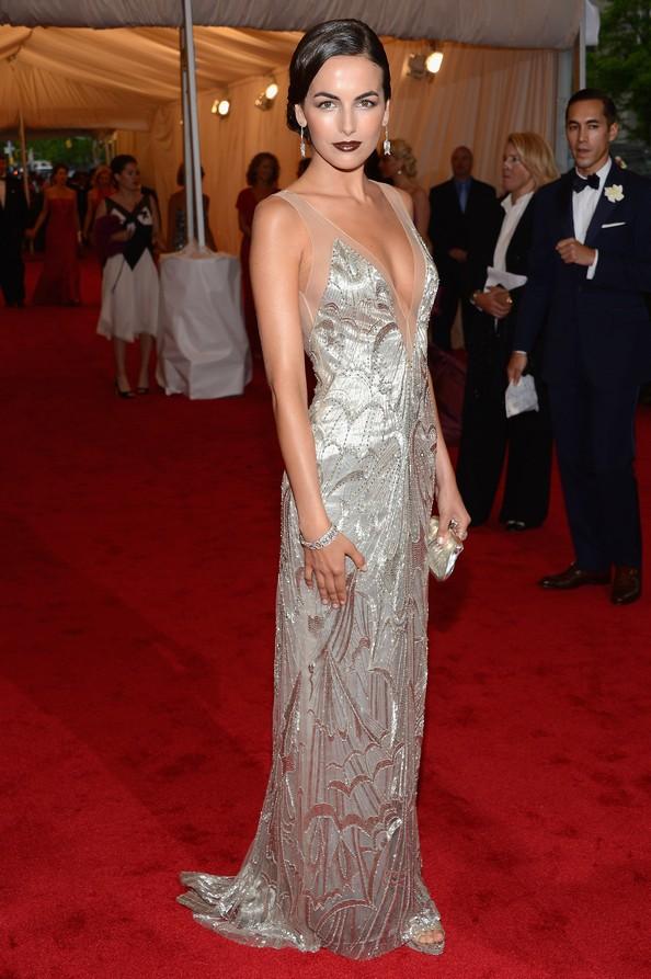 Акторка Камілла Белль у сукні від Ralph Lauren. Фото: Dimitrios Kambouris/Getty Images