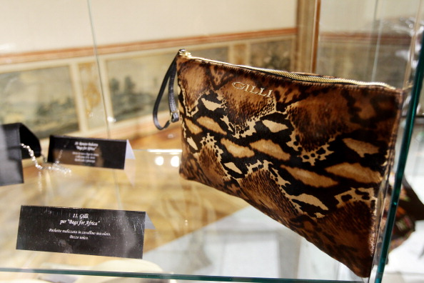 Сумки для Африки — благодійний аукціон у Мілані. Фото Vittorio Zunino Celotto/Getty Images