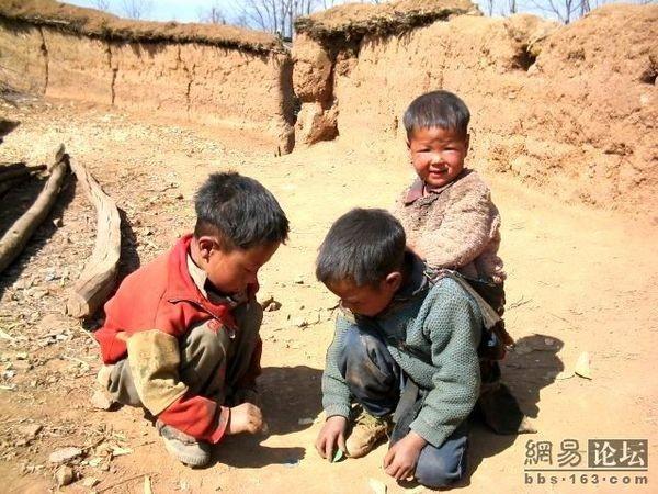 Кадры нелёгкой жизни крестьян провинции Сычуань. Фото с epochtimes.com