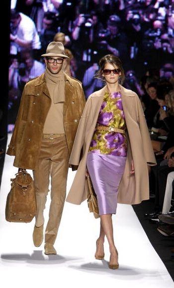 Коллекция женской одежды осень 2008 от дизайнера Карлоса Миле (Carlos Miele), представленная 6 февраля на неделе моды от Mercedes-Benz в Нью-Йорке. Фото: Mark Mainz/Getty Images