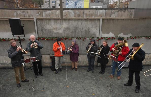Германия отмечает 20 годовщину падения Берлинской стены. Фото: Getty Images