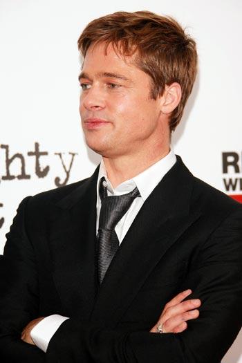 НЬЮ-ЙОРК: Актёр/продюсер Брэд Питт (Brad Pitt) посетил премьеру фильма «Сильное сердце», которая была представлена в 13 июня 2007 в Нью-Йорке. Фото: Evan Agostini/Getty Images