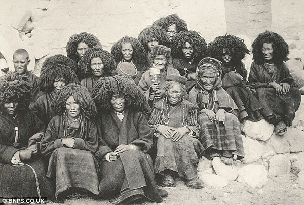 Тибетские монахини. Фото с dailymail.co.uк