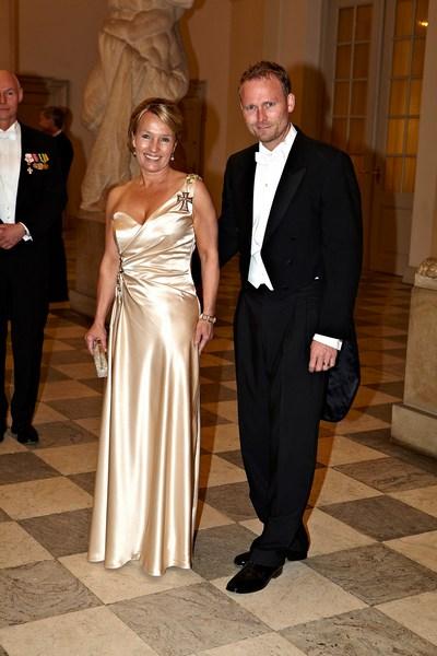Королева Дании Маргарита отпраздновала свой 70-летний юбилей. Лин Эсперсен, министр иностранных дел Дании и Дэнни Фелтмэнн Эсперсен. Фоторепортаж. Фото: Schiller Graphics/Getty Images