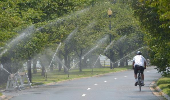 На восточное побережье США пришла сильнейшая жара. Фото: MLADEN ANTONOV/AFP/Getty Images